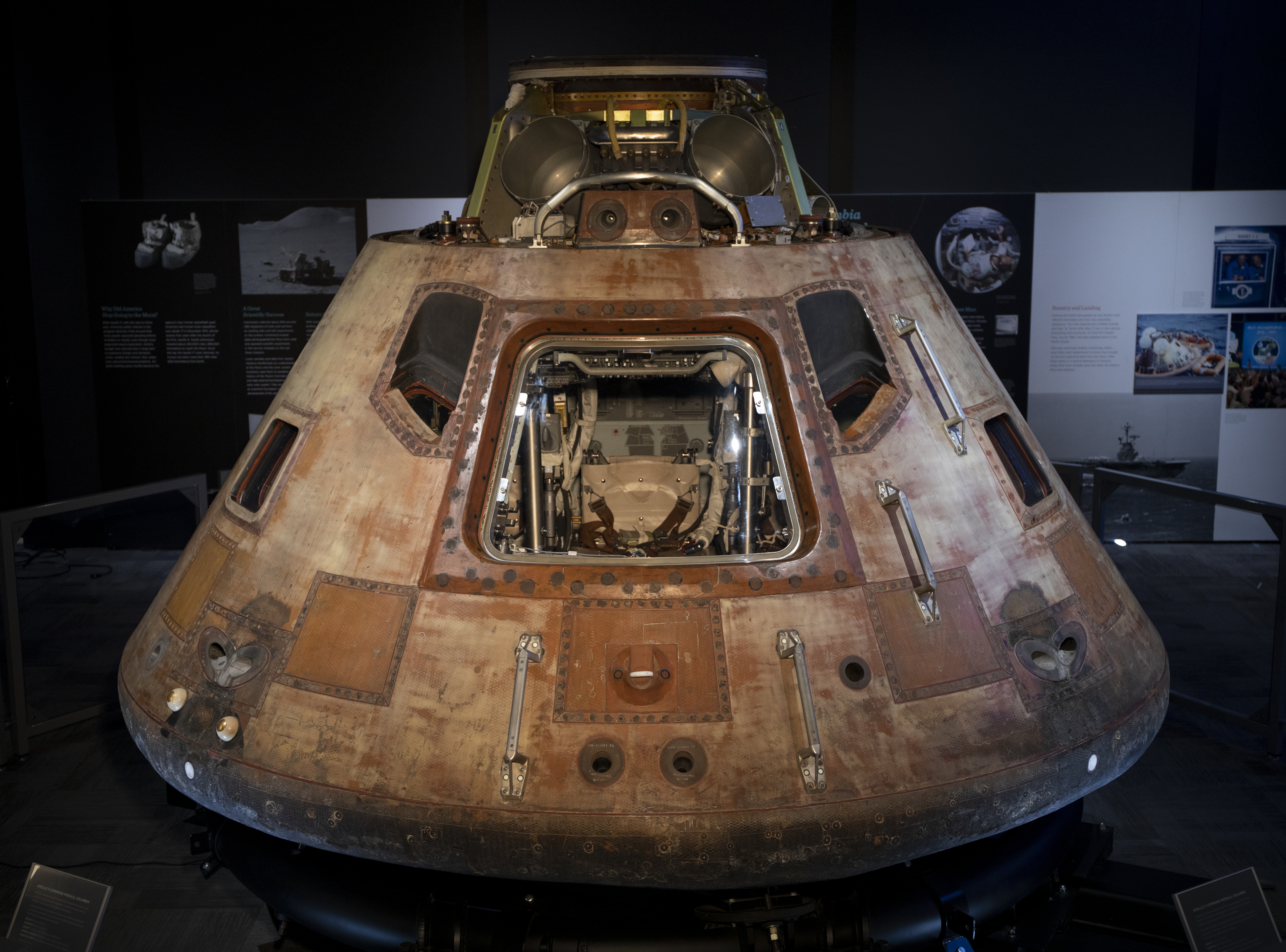 Command Module Wide with Hatch2390